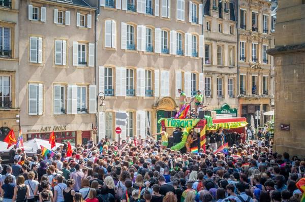 rencontre gay riche à Saint Ouen sur Seine